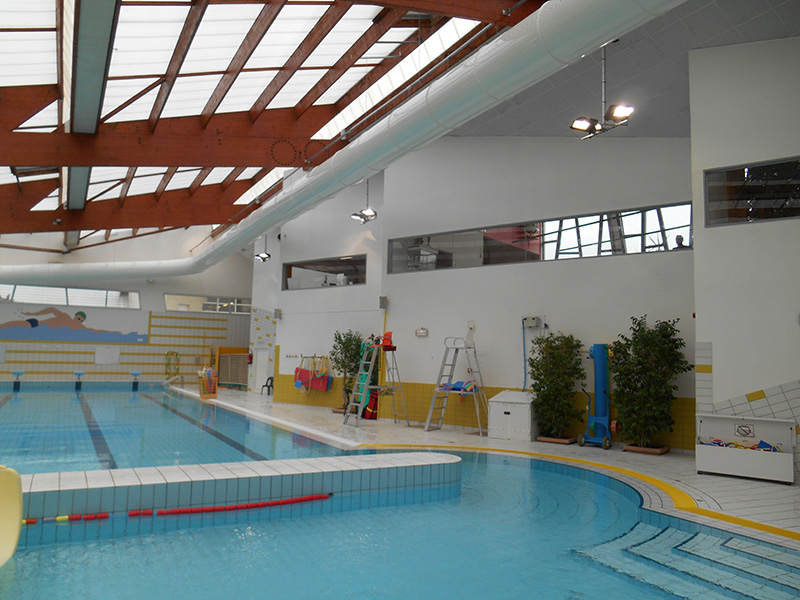 Piscine gaines perforees 1 air technologies gaines - Piscine de gournay en bray ...